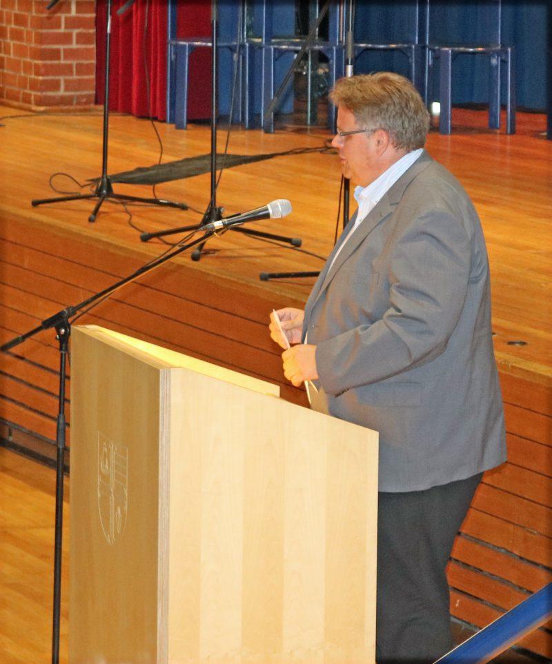Herr Rektor Sander am Rednerpult